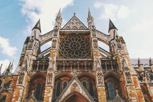 Tekst po angielsku na temat kościoła w Anglii
