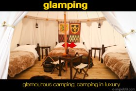 co to znaczy glamping