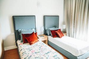 Nauka słownictwa związanego z hotelami i rodzajami pokojów - artykuł po angielsk