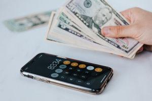 Użycie finansowych idiomów w tekście